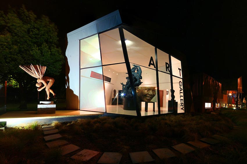 leviseur container art gallery