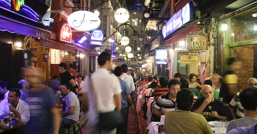 busy season restaurants hotels